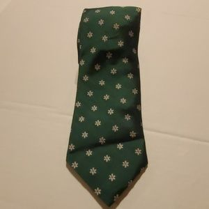 Vineyard Vines 100% Silk Handcrafted Green tie